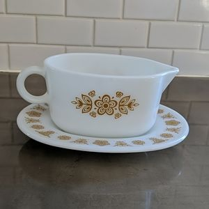Pyrex Butterfly Gold dish (seventies).